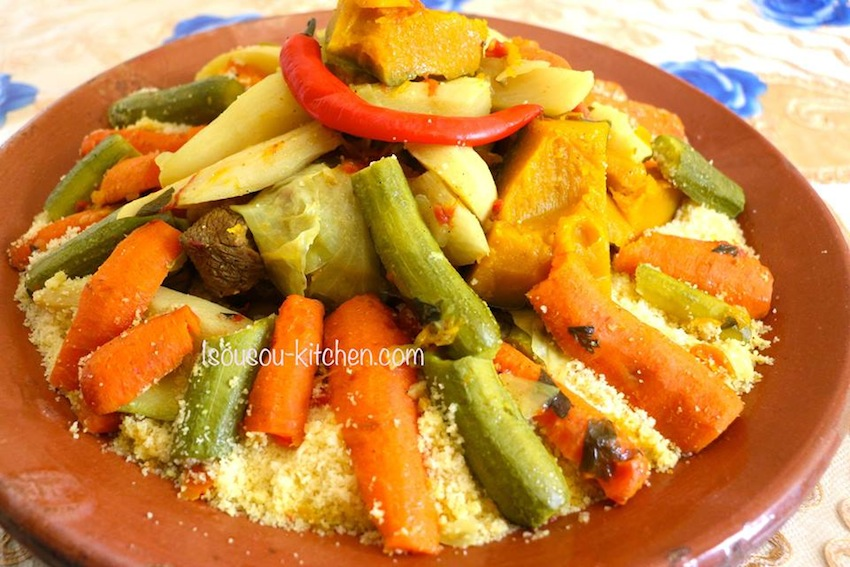 to make authentic moroccan Couscous from scratch - Sousoukitchen
